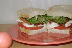 Crafty Recipe - BELTS - Bacon, Egg, Lettuce, and Tomato Sandwiches